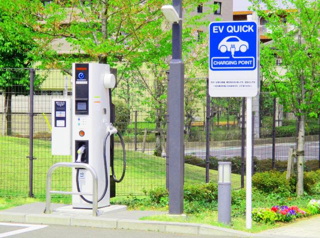EV普及を支える充電インフラ設置 EV・PHV用充電器および関連機器特集の画像