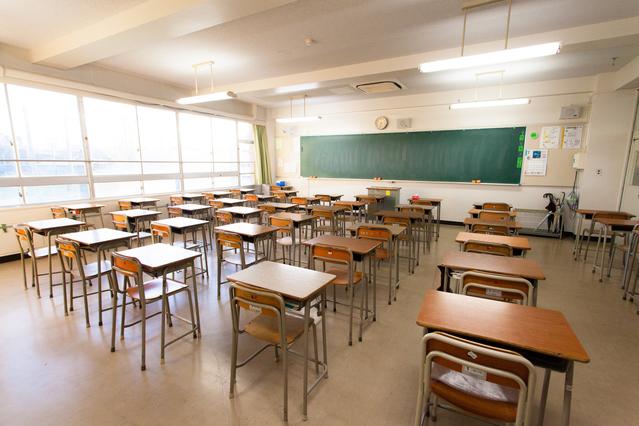 電設・ウォッチ  第4回 公立小中学校のエアコン普及とICT化の画像